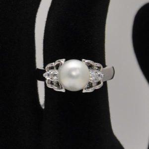 Inel cu perla din argint