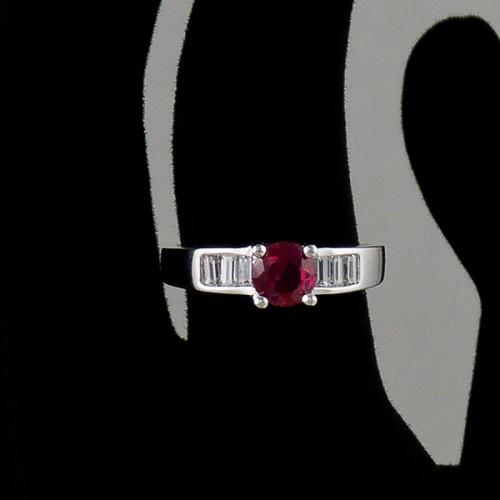 Inel de logodna argint cu zircon rosu