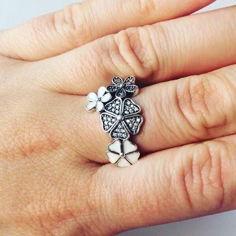 Flori de cires hellospring nouacolectie silverboxro bijuterii inele flori primavarahellip