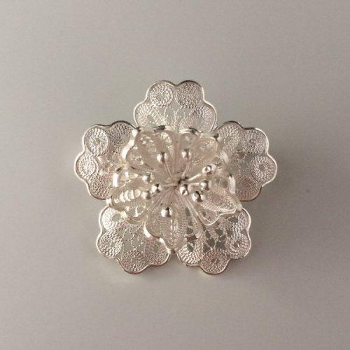 Brosa argint filigranat forma floare