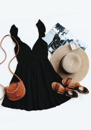 ce tip de bijuterii se potrivesc la o rochie neagra