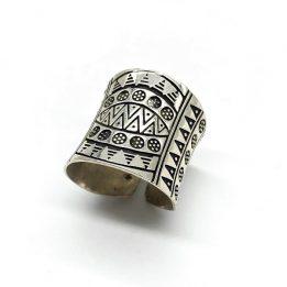 Inel cu design aztec