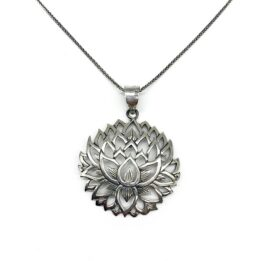 Pandantiv Lotus argint usor patinat, masiv