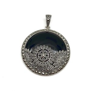 Pandantiv Onix argint si marcasite, masiv, rotund